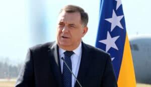 Dodik: Izetbegović bi trebalo da razgovara sa Srbima i Hrvatima u BiH