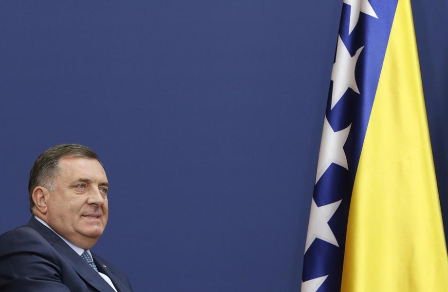 Dodik: Komšić bi da u BiH ostavi problem migrantske krize
