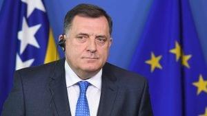Dodik: Ne odustajemo od uniformi