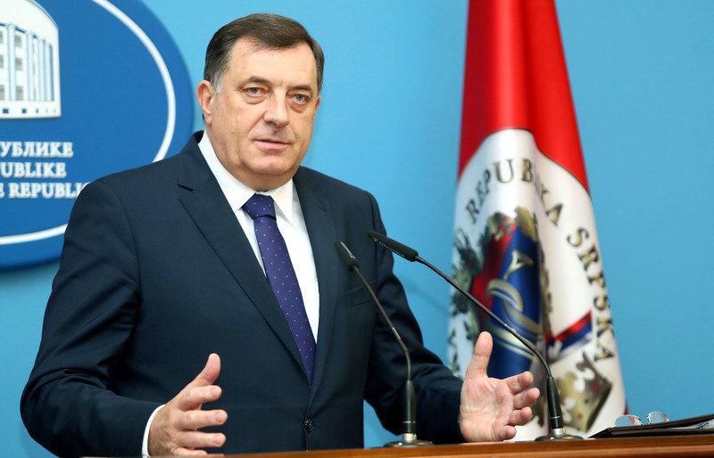 Dodik: U nedostatku vlastite politike, Komšić uvek vodio tuđu