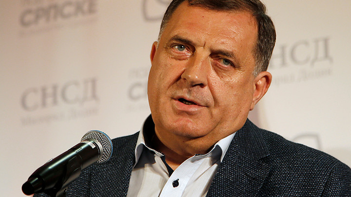 Dodik pozvao Komšića da dođe i vidi tradicionalnu uniformuVojske Republike Srpske