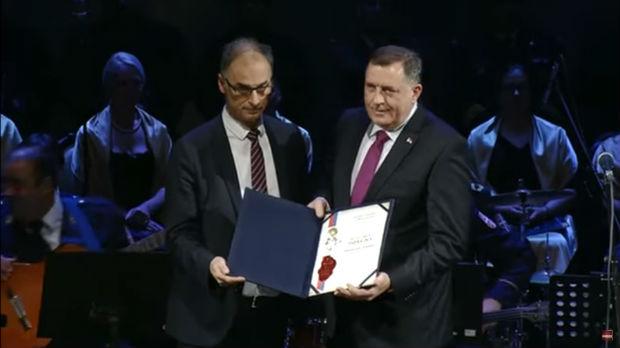 Dodiku u Skoplju uručena Svetosavska povelja