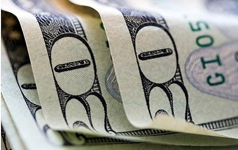 Dolar ojačao, euro slabi