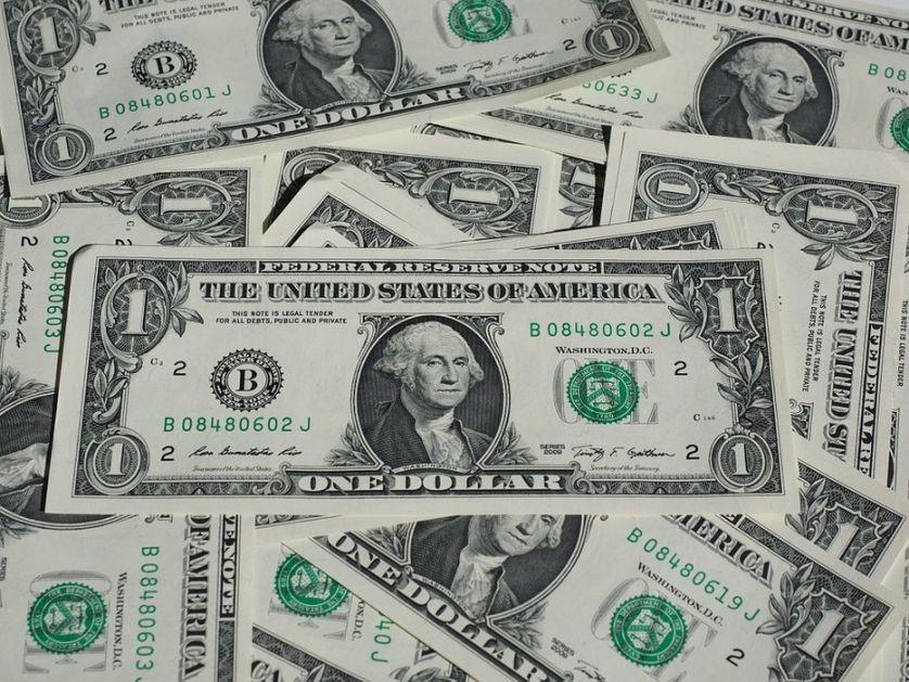Dolar zabeležio najveći nedeljni pad od juna
