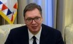 """Domaća kuhinja nema zamenu: Vučić jeo punjene paprike """"kao okrepljenje pred put u Ženevu (FOTO)"""