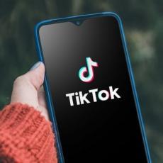 Dopao vam se neki snimak na TikToku? Evo kako da ga preuzmete na svoj telefon!