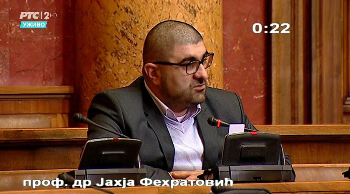 Dr. Fehratović upozorava: Kocka nam uništava omladinu, trgovi nam puni kladionica i kockarnica