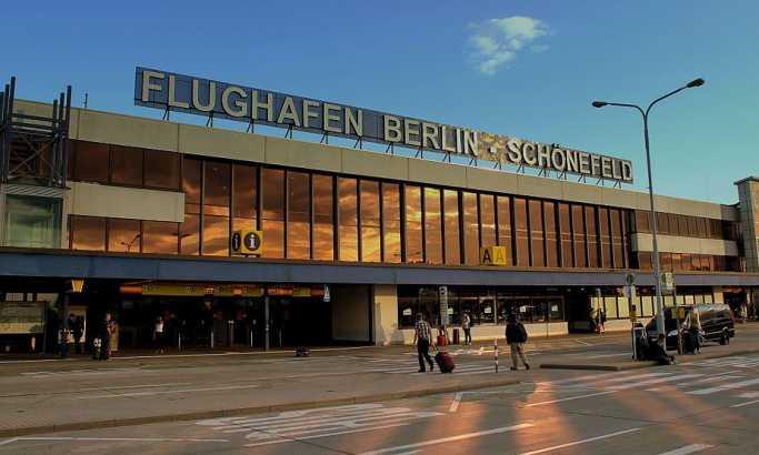 Drama na berlinskom aerodromu: Uhapšen muškarac u prsluku iz kojeg su virile žice