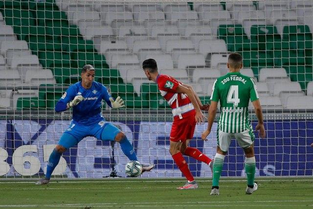 Drama u Sevilji – tri gola za 4 minuta u remiju Betisa i Granade