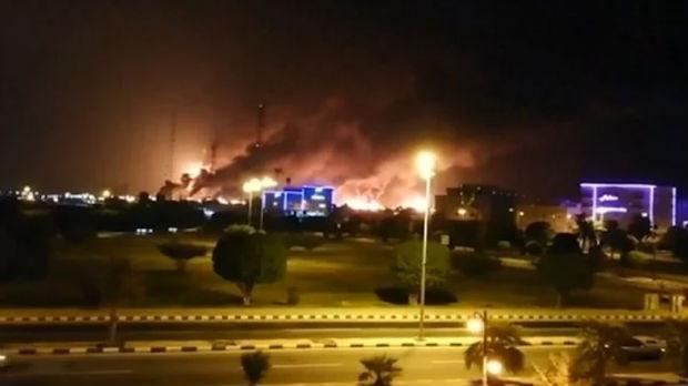 Dronovi napali naftna postrojenja u Saudijskoj Arabiji, izbili požari