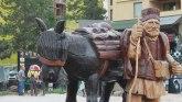 Drvodelja Miladin napravio skulpturu visoku preko tri metra koju je video ceo svet FOTO