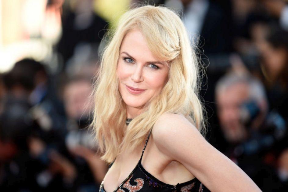 Duga plava kosa je prošlost! Nikol Kidman napravila drastičnu promenu i mišljenja su podeljena (FOTO)