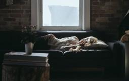 Duže spavanje smanjuje potrebu za slatkišima