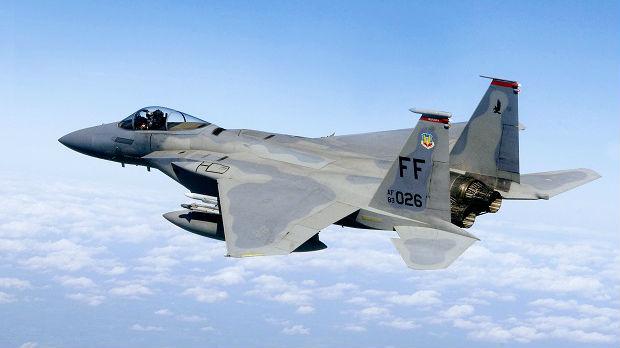 Dva američka aviona umalo izbegla sudar sa britanskim padobrancima