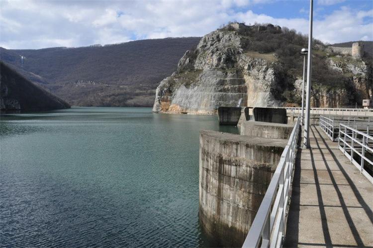 "Dva bagera srušila tender ""Hidroelektrana na Vrbasu"""