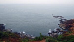 Dva člana posade poginula u napadu na brod povezan s izraelskim milijarderom