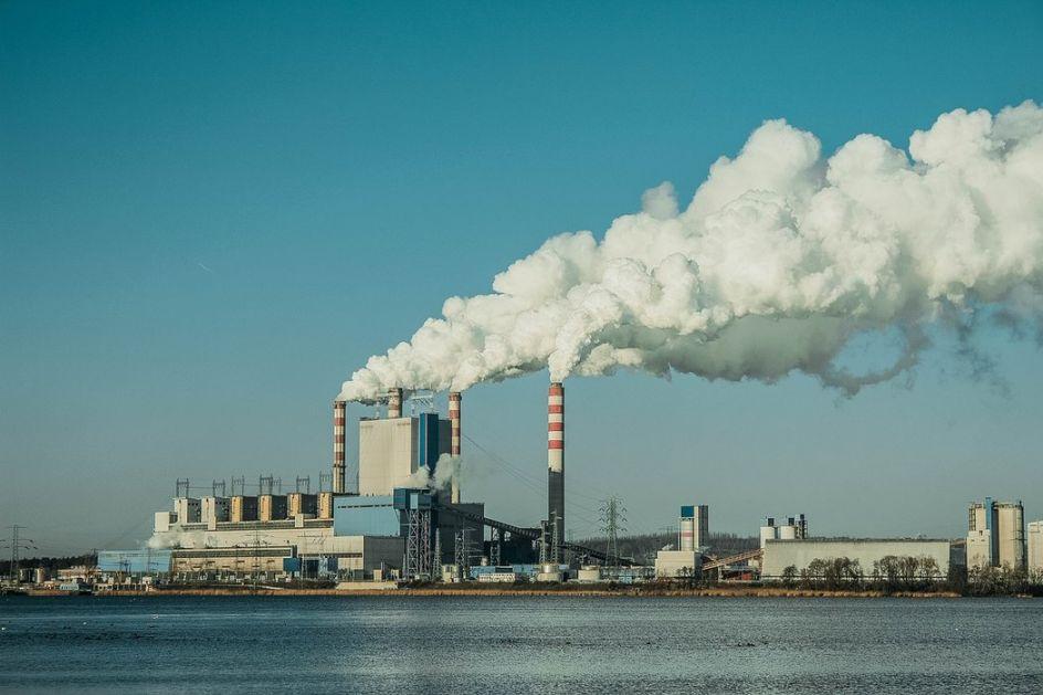 Dvadeset firmi proizvodi 55 odsto svetskog plastičnog otpad