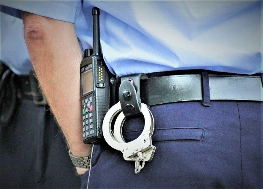 Dvadesetogodišnjak iz Bara uhapšen zbog nasrtanja na sveštenika