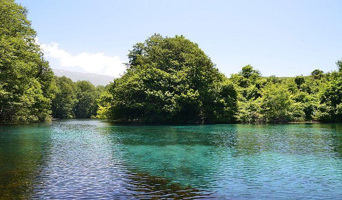 Dvanaestogodišnjak preplivao Ohridsko jezero