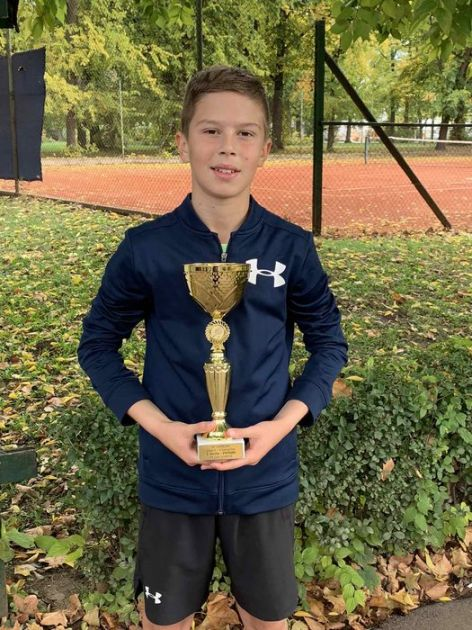 Dvanaestogodišnji teniser iz Sombora niže uspehe u starijoj kategoriji