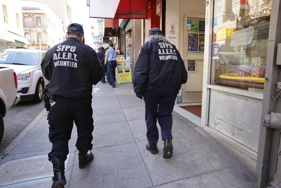 Dve Azijke u San Francisku izbodene nožem dok su čekale autobus