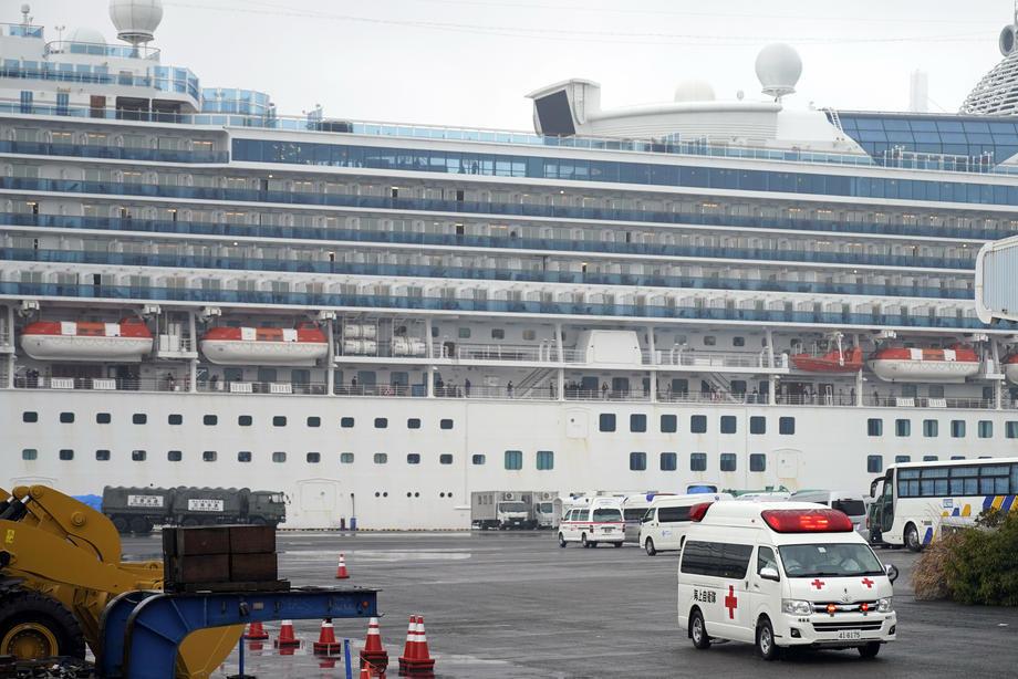 Dvoje Srba obolelo od koronavirusa na kruzeru, ostaju u Japanu na lečenju