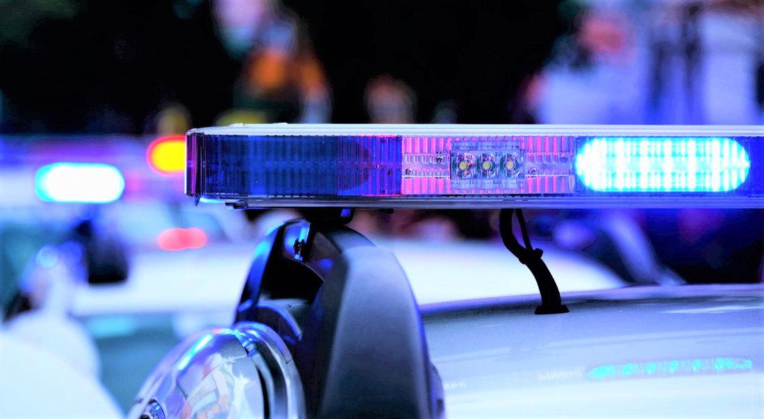 Teška saobraćajka na Ibarskoj magistrali: Poginula dva mladića, žena teško povređena