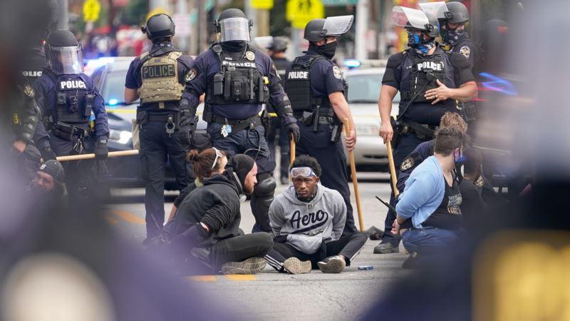 Dvojica policajaca ranjena na protestima zbog ubistva Breonne Taylor