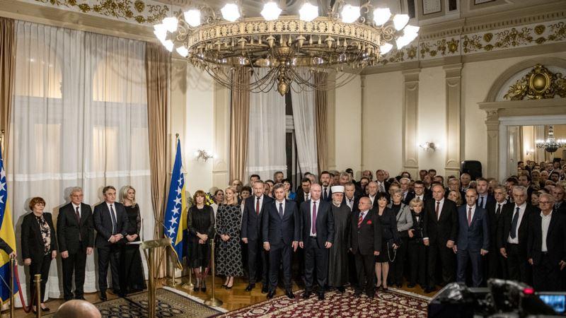 Džaferović i Komšić čestitali Dan državnosti BiH: Ljudima treba mir i posao