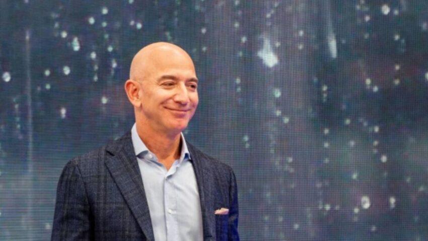 Džef Bezos danas leti u svemir na ukupno 11 minuta