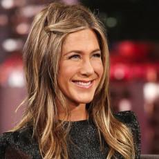 Dženifer Aniston je jedna od NAJZGODNIJIH glumica: Ima 52. godine, a liniju ODRŽAVA uz pomoć ove 3 namirnice