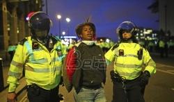 Džonson: Ljudi imaju pravo da protestuju, ali je nasilje izdaja onoga za šta se zalažu