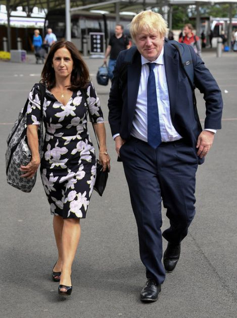 Džonson pred razvodom, postignut finansijski dogovor