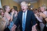 Džonson zvanično premijer, pljušte čestitke