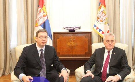 EKSKLUZIVNO Vučić i Nikolić 15 minuta RAZGOVARALI telefonom! Zakazali susret u nedelju!