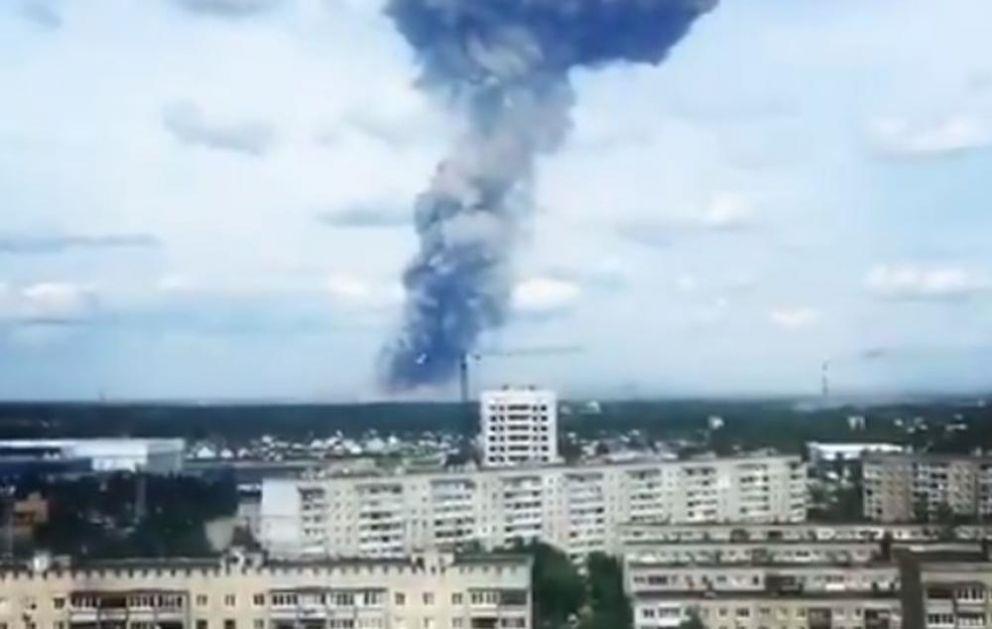 EKSPLOZIJE U RUSKOJ FABRICI EKSPLOZIVA: Vlasti u Džeržinsku upozoravaju na nove detonacije (VIDEO)