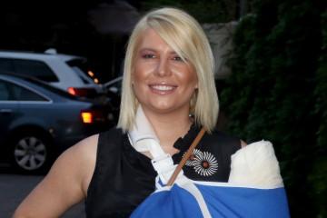 EMOTIVNA Dea Đurđević: Ono što je voditeljka rekla o mami i dečku će vam NATERATI SUZE NA OČI