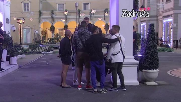 EMOTIVNO! Ivana Krunić zaplakala nakon PITANJA koje je dobila, zadrugari se sjatili da je UTEŠE! (VIDEO)