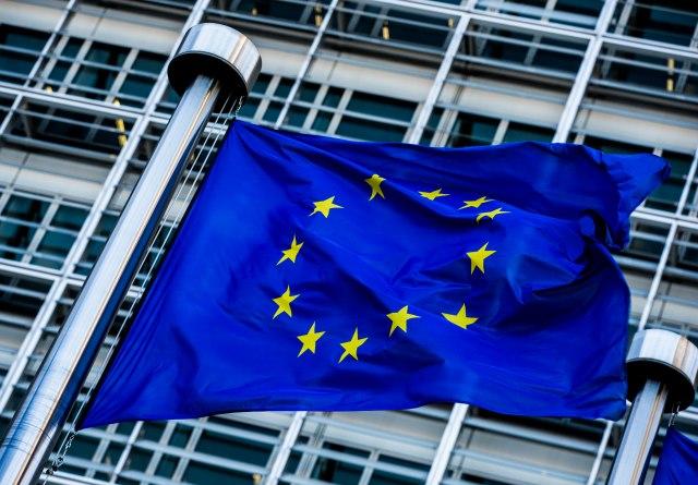 EP uzvraća udarac: 412 za za Albaniju i Makedoniju