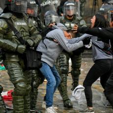 ESKALACIJA PROTESTA U BOGOTI: Sukobi policije i demonstranata na ulicama (FOTO)