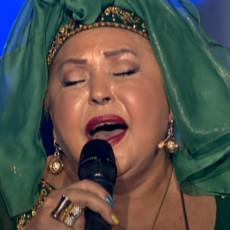 ESMA REDŽEPOVA JE USVOJILA 47 SINOVA i SAMO JEDNU ĆERKU! Evo čime se bavi NASLEDNICA kraljice ROMSKE muzike