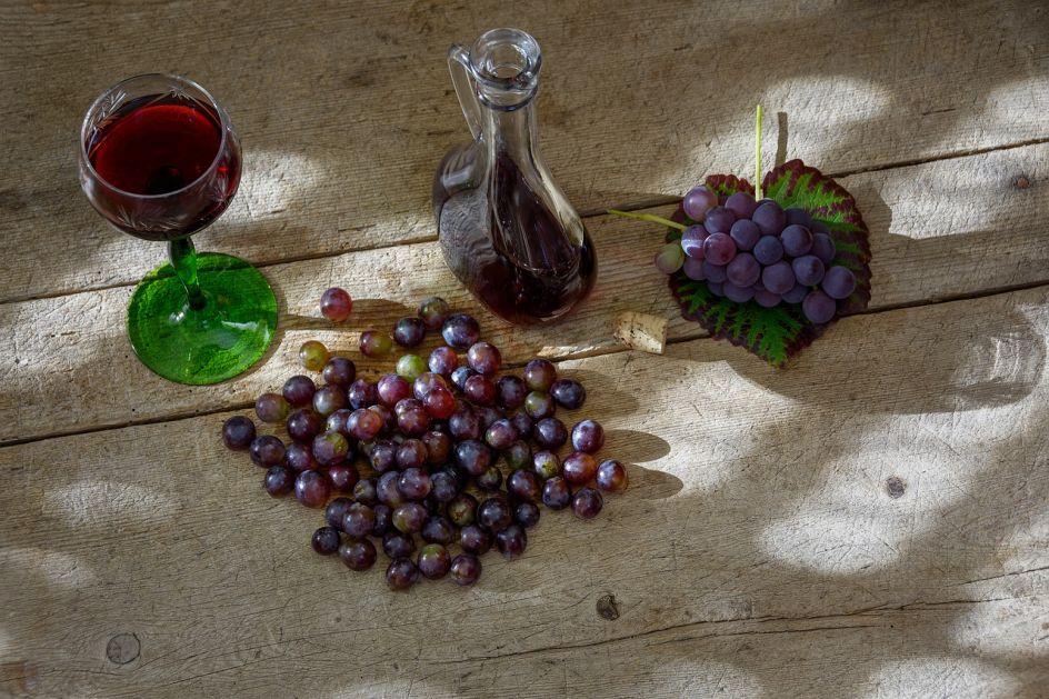 EU bi da razrijeđuje vino vodom, Italijani se oštro protive