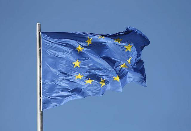 EU se svađa: Merkelova traži jedno, Mejova drugo