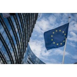 EU zahteva od Facebooka, Googlea i Twittera da zaštite korisnike od prevara na društvenim mrežama