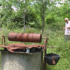 EVO KAKO DA NEUTRALIŠETE NEGATIVNU ENERGIJU I MIRNIJE SPAVATE: Rade iz Čačka pronalazi podzemne vode 30 godina (FOTO)