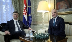 Edi Rama: Kosovska taksa nenormalna, ali i situacija nenormalna