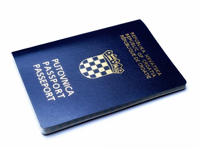 Egzodus komšija: Hrvatska druga u EU po emigraciji, napustio je svaki peti građanin