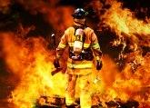 Eksplozija izazvala požar u luci, 18 ljudi ranjeno FOTO