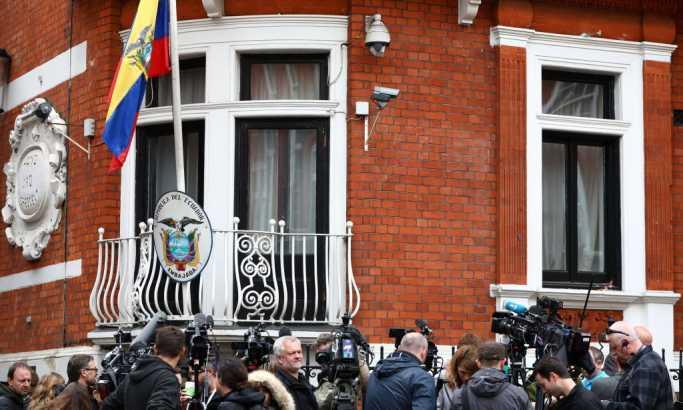 Ekvador traži da se Asanžu omogući da napusti ambasadu