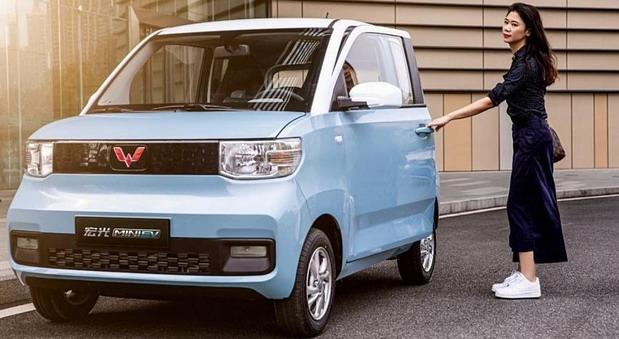 Električni Wuling Hong Guang Mini EV je hit koji košta 4.500 dolara